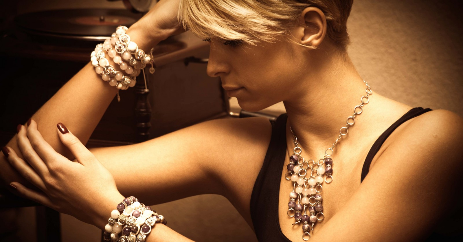 Jewelry Styling According to Your Wardrobe Personality - Style Folio Jewelry